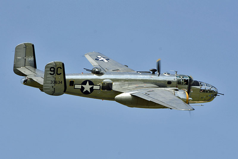 North American B-25 Mitchell in flight-source aircraft-in-focus