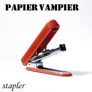 Papier vampier - paper vampire - stapler