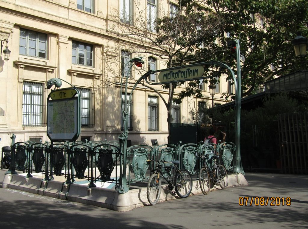 Metropolitan - Cite Metro station near Notre-Dame de Paris - photo by Lysandra Furstenberg.jpg