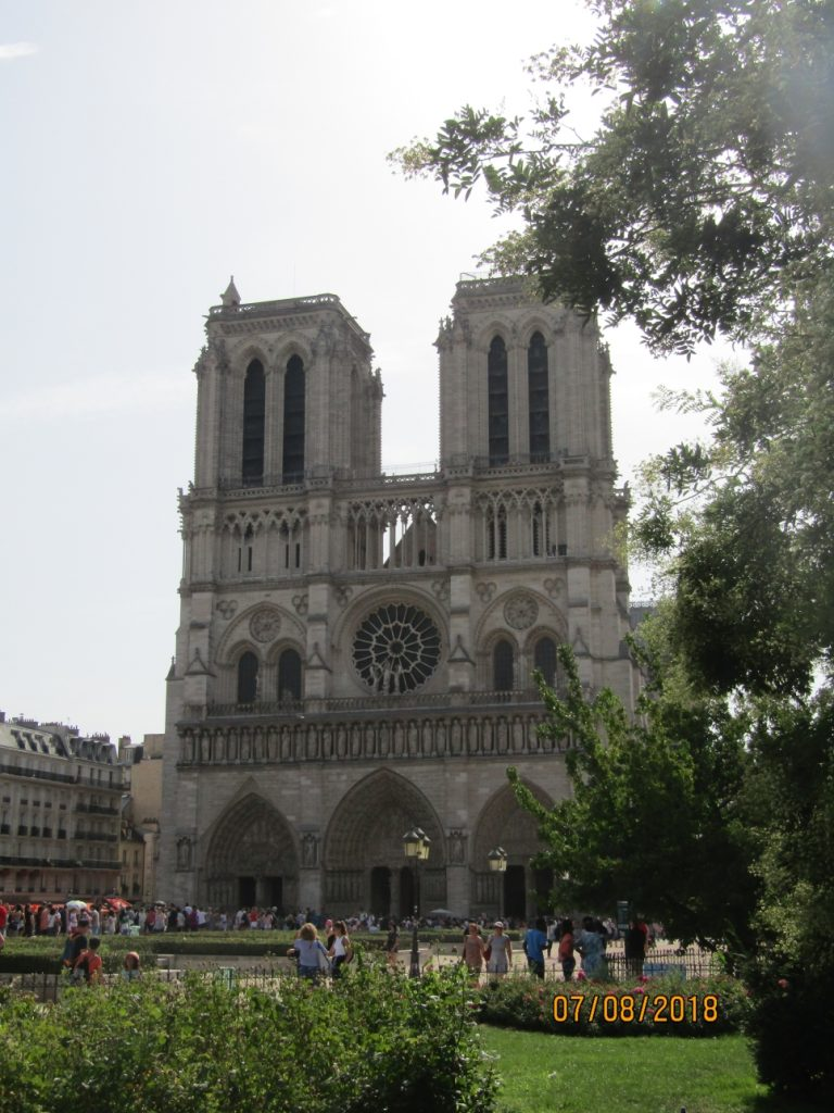 Notre Dame Cathedral facade -  photo by Lysandra Furstenberg