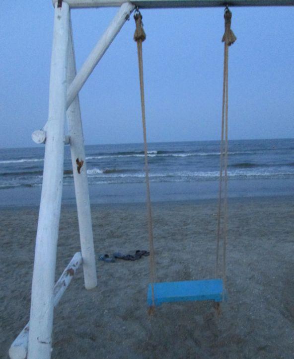 wodden swing by the sea @PatFurstenberg