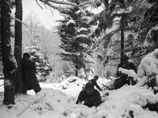 WW1 Christmas Truce song and WW2 Christmas time, Battle of Bulge