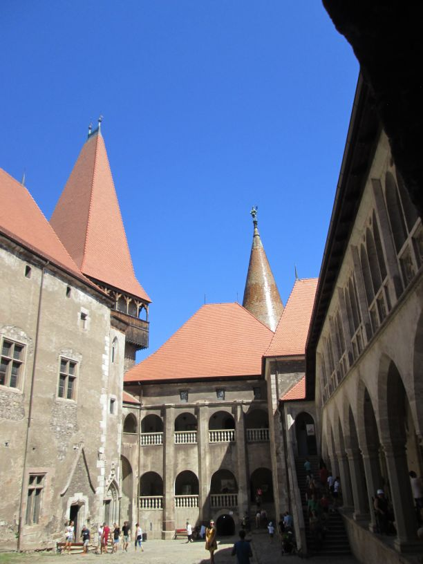 Corvin Castle, main court: Matia wing in front, Chapel Complex on the right, Knights Hall and Diet Hall on the left