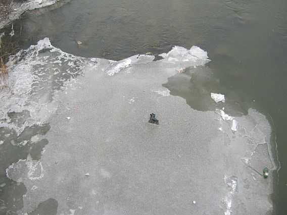 grue, thin floating ice in Sighisoara