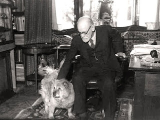 Jofi & Sigmund Freud, 10 Dogs Who Made and Changed History