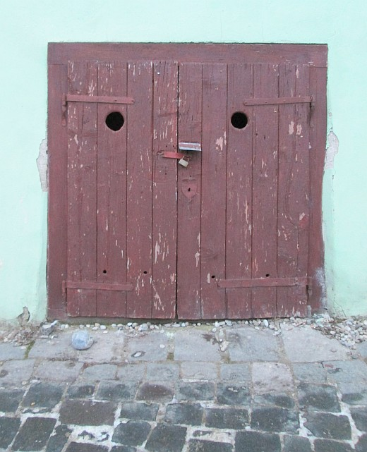 Sighisoara, face in door, Thursday doors