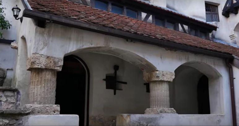 Bran Castle inner court gallery, stone column